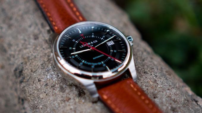 avantgarde-date-lebois-co-horloge-watch